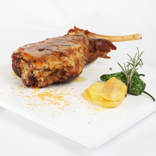Gigot d'agneau Segureño cuit à feu doux farci